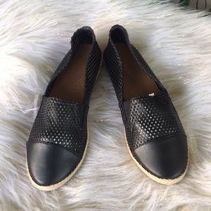Madden Girl flats size 6 black /tan New